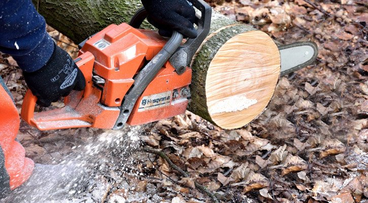 How To Cut Wood Slices With Chainsaw Two Fast And Easy Methods Chainsaw Larry