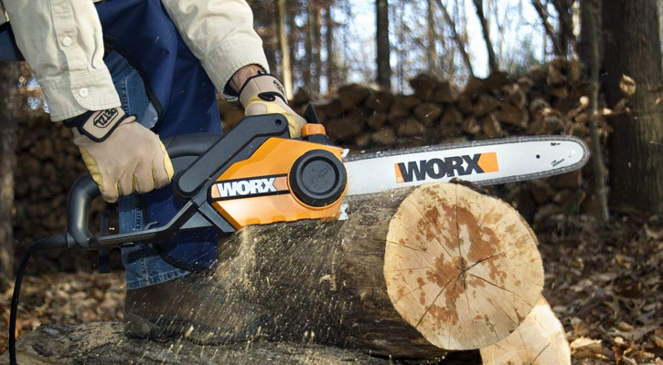 Best Electric Chainsaw Cutting Wood